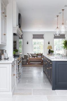 Open Plan Kitchen Living Room, Kitchen Dining Living, Home Decor Kitchen, Kitchen Interior, New Kitchen, Home Kitchens, Dining Area, Kitchen Seating Area, Handmade Kitchens