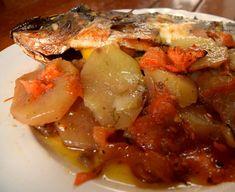 ΜΑΓΕΙΡΙΚΗ ΚΑΙ ΣΥΝΤΑΓΕΣ: Τσιπούρα πλακί !!! Fish Recipes, Seafood Recipes, Cookbook Recipes, Cooking Recipes, Fish And Seafood, Pot Roast, Pork, Beef, Vegan