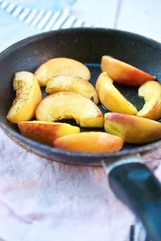 Feldsalat mit gebratenem Pfirsich und Mozzarella   Pinkepank (1)