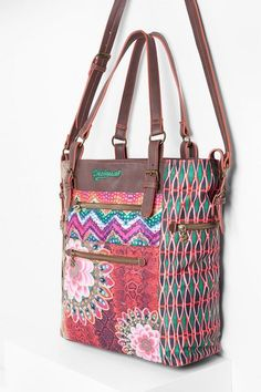 Desigual Etnische shoppertas met vakjes. Ontdek de nieuwste aanwinsten uit de collectie accessoires!