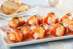 Rolky z uzeného lososa s křenovým sýrem Fresh Rolls, Tapas, Sushi, Shrimp, Meat, Ethnic Recipes, Party, Parties, Sushi Rolls