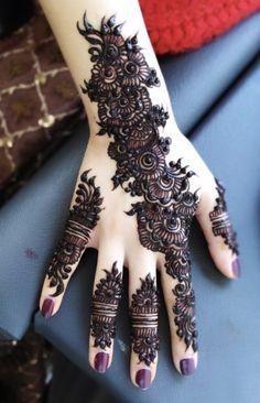 Non bridal / eid mehndi inspo - Henna Flower Designs, Mehndi Designs For Girls, Mehndi Design Images, Best Mehndi Designs, Flower Henna, Mehndi Art, Henna Mehndi, Henna Art, Mhendi Design