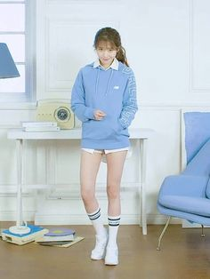 Blackpink Fashion, Ulzzang Fashion, Korean Fashion, Fashion Outfits, J Pop, Iu Gif, Jeon Jungkook Hot, Human Poses Reference, Korean Actresses