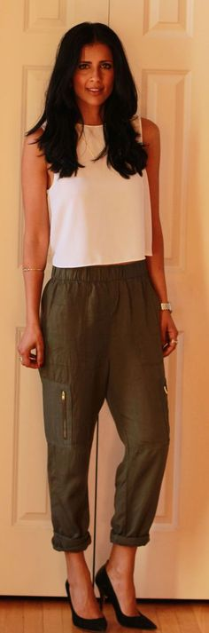 Crop Top And Harem Pants Styling