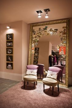 Fitting Room in TRUCCO Stores.- Would like this as my closet....