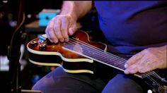 E forse l'amore non è che questo:  una donna o un uomo che scende da un vagone in una stazione del metrò  e brilla per pochi secondi e si perde senza nome nella sera.  (Óscar Hahn)  Shine On You Crazy Diamond, Pink Floyd - David Gilmour