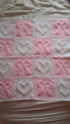 Hearts and Bows Blanket ~ Patterns are from Jan Eaton 200 Squares booka knit and crochet communityRavelry is a community site, an organizational tool, and a yarn & pattern database for knitters and crocheters. Crochet Motifs, Crochet Blocks, Crochet Stitches Patterns, Crochet Squares, Bobble Stitch Crochet, Baby Afghan Crochet, Crochet Afgans, Knit Or Crochet, Manta Crochet