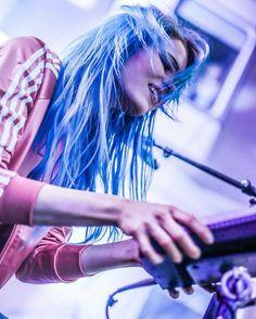 Dreadlocks, Neon Signs, Hair Styles, Music, Beauty, Hair Plait Styles, Musica, Musik, Hairdos