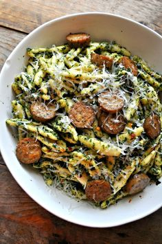 Vegan Roasted Kale Pesto Pasta – Rabbit and Wolves. Oil-free, nutrient rich, pro… Vegan Roasted Kale Pesto Pasta – Rabbit and Wolves. Oil-free, nutrient rich, protein-filled and still the most delicious thing and so so comforting. Veggie Recipes, Vegetarian Recipes, Cooking Recipes, Healthy Recipes, Vegan Soul Food Recipes, Recipes Dinner, Roasted Kale Recipes, Vegan Squash Recipes, Healthy Vegan Meals