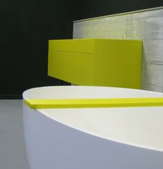 Bathroom furniture and bath shelf in cemento tutti colori by Constilo Design