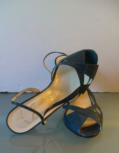 Vintage Made in Italy Garolini Slingback Pumps 5M by EurotrashItaly on Etsy