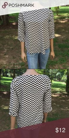 🇺🇸Labor Day Sale🇺🇸Everly Chevron Blouse Gently used. 👉🏻 A portion of the sales will be donated towards Domestic Violence Awareness. 👌🏻👈🏻 Everly Tops