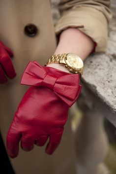 Red leather bow gloves