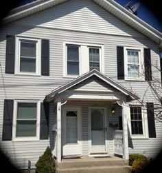 13 Maiden Lane is our special Daily Sold Home this Monday! This one family semi attached home is located in Tottenville and has two bedrooms and one bathroom. The home was sold for $250,000! http://www.realestatesiny.com/ #RealEstateSINY #StatenIsland #NewYork #DailySoldHome #RealEstate #Sold #Tottenville