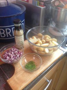 Vicki-Kitchen: French potato salad (slimming world friendly)