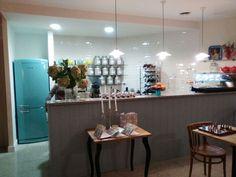 Sala da tè a Roma #Bompani  #Retro #Oven  #frigorifero #fridge #Turquoise #turchese #tiffany