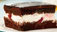 Cel mai pufos și umed tort din pandișpan care poate fi preparat de oricine! E atât de simplu! - savuros.info Focaccia Bread Recipe, Bread Recipes, Romanian Desserts, Cacao, Relleno, Cake Cookies, Tiramisu, Cheesecake, Sweets