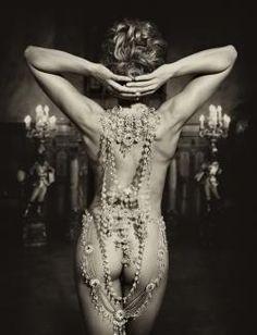 Jewels. Photographer: Marc Lagrange.