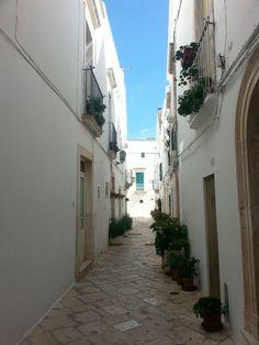 #Locorotondo #beautiful #streets #Puglia #Italy