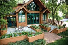 How to Build the Deck of Your Dreams - Article: The Family Handyman
