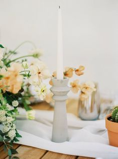 La Tavola Fine Linen Rental: Aurora White Table Runner | Photography: Blue Rose Photography, Planning: CMG Events, Florals: In Style Blooms, Paper Goods: Kelsey Malie Calligraphy, Rentals: Party Pleasers