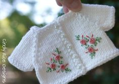 """""""Rose Trellis"""", and hand made ensemble for Kaye Wiggs MSD BJDs, cindyricedesigns. Knitted Bunnies, Knitted Dolls, Diy Crafts Rose, Baby Knitting, Crochet Baby, Knitting Patterns, Crochet Patterns, Rose Trellis, Little Cotton Rabbits"""