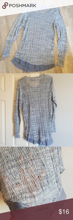 Simply Vera burn out top Lightweight burnout style top. Cute ruffle detail around bottom hem. Super soft with some stretch. Only work once, in like new condition. Simply Vera Vera Wang Tops Blouses