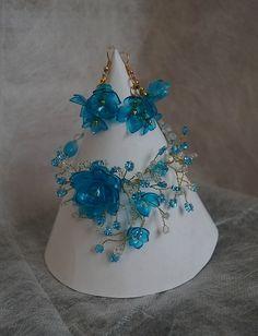 Plastic Bottle Crafts Flowers, Plastic Art, Flower Crafts, Plastic Bottles, Recycling, Diy Recycle, Bling, Hair, Accessories
