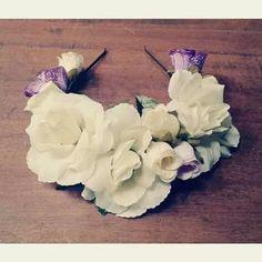 Vinchas Coronas De Flores Novias Casamiento Blanco Cotillon - $ 150,00 Hair Accesories Wedding, Hair Accessories, Ideas Para Fiestas, Flower Crown, Love Art, Flower Power, Headbands, Wedding Hairstyles, Diy And Crafts