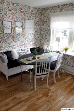 boråstapeter,herbarium,kökssoffa,tavlor med text,kök