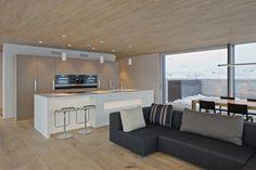 HI-MACS® per una casa 'verde' in Svizzera Home, Home Kitchens, Home And Living, Modern Kitchen, Dream Furniture, House, Kitchen Room, Home Styles, Home Deco