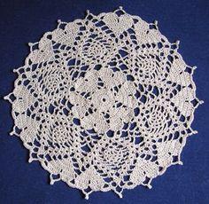 Hearts Doily #free #crochetpattern from @crochetmemories