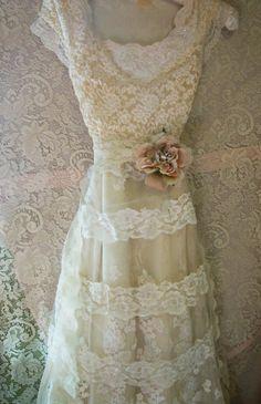 Spitzen Wedding Dress Boho nackt floral Creme von vintageopulence