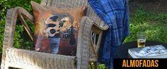 https://flic.kr/p/Q94uMJ | Almofada O Baixista | Estampa exclusiva para a marca Rockuse. Almofadas quadradas e retangulares em veludo. www.rockuse.com.br
