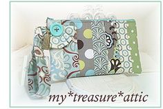 Calioppe Blooms on Dove Grey - Patchwork - Wristlet Clutch - Handmade Creation