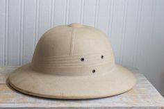 992321fdbc4c5 Vintage Safari Hat - Hard Military Style - Khaki Pith Helmet