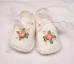 Silk Ribbon Embroidery Baby Booties by DebiDesigns on Etsy Felt Booties, Felt Baby Shoes, Crochet Baby Shoes, Crochet Slippers, Baby Booties, Learn Embroidery, Rose Embroidery, Silk Ribbon Embroidery, Hand Embroidery Designs