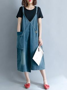 Loose Denim Blue Overalls Long Dress Loose Denim Blue Overalls Long Dress Loose Denim Blue Overalls Long Dress The post Loose Denim Blue Overalls Long Dress appeared first on New Ideas. Denim And Lace, Womens Dungarees, Blue Overalls, Dungaree Dress, Vestidos Vintage, Recycled Denim, Funky Fashion, Ripped Denim, Overall Dress