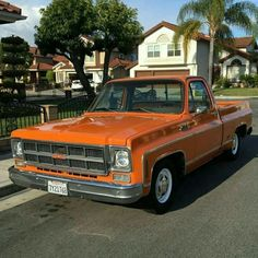 C10 1978- love this truck (change color though)