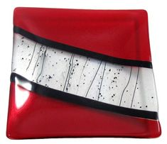 Red Black Square Plates for my kitchen Slumped Glass, Fused Glass Ornaments, Fused Glass Plates, Fused Glass Art, Mosaic Glass, Glass Fusion Ideas, Glass Fusing Projects, Decorated Wine Glasses, Glass Artwork