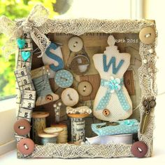Sewing Crafts, Sewing Projects, Craft Projects, Diy Crafts, Diy Shadow Box, Shadow Box Frames, Altered Boxes, Altered Art, Shadow Box Kunst