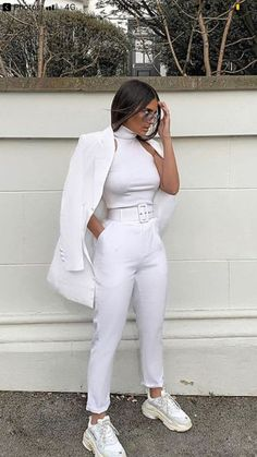 Sporty Outfits : Description looks.tn/… – Outfits For Summer – Summer Outfits 2019 Sporty Outfits, Cute Casual Outfits, Mode Outfits, White Outfits, Stylish Outfits, Fall Outfits, Summer Outfits, Fashion Outfits, Womens Fashion