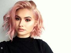 Corte de cabelo curto pink millennial bob