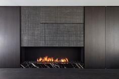Cheminée élégante, en gris et noir | Single family house Zomergem - Projects - pascal francois - architects