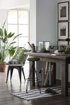 Urban Jungle palm trend decoration HM home 2016 Hm Home, Decor Inspiration, Decor Ideas, Home And Deco, Interiores Design, Interior And Exterior, Home Office, Entryway Tables, Sweet Home