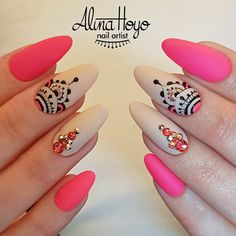 1250 Likes 16 Comments Alina Hoyo Nail Artist ( on Inst Gold Nails, Stiletto Nails, Pink Nails, Cute Acrylic Nails, Cute Nails, Pretty Nails, Hair And Nails, My Nails, Henna Nails