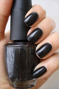Baby It's Coal Outside OPI Polish for tips using mat color for nails. I love the mat and glossy look on nails!