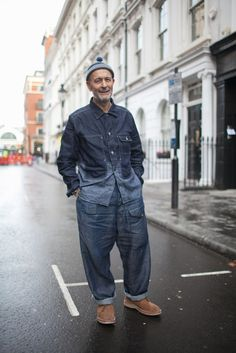 London Men's Fashion Week street style Photo by Kuba Dabrowski London Mens Fashion, Mens Fashion Week, Dope Fashion, Grey Fashion, Denim Fashion, Fashion Photo, Fashion News, Casual Wear For Men, Stylish Men