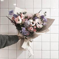 "1,769 Likes, 1 Comments - 플로리스트 이주연 florist Lee Ju Yeon (@vanessflower) on Instagram: "". . #알록이달록이 . . 너희둘처럼 사랑스럽게 #lesson #Order Katalk ID vaness52 WeChat ID vaness-flower E-mail…"""