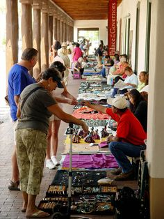 Santa Fe Indian Market- muy expensive but fun to look at!